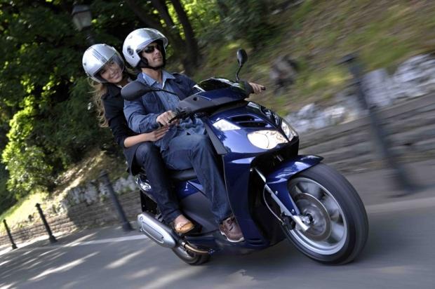 Abbigliamento corretto per moto e scooter