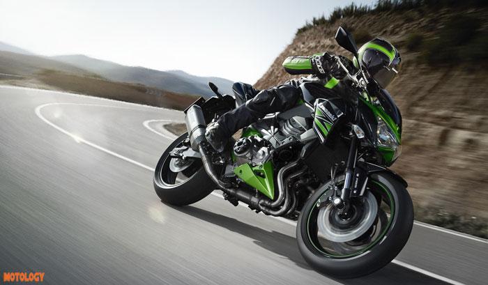 Kawasaki_Z800_motology