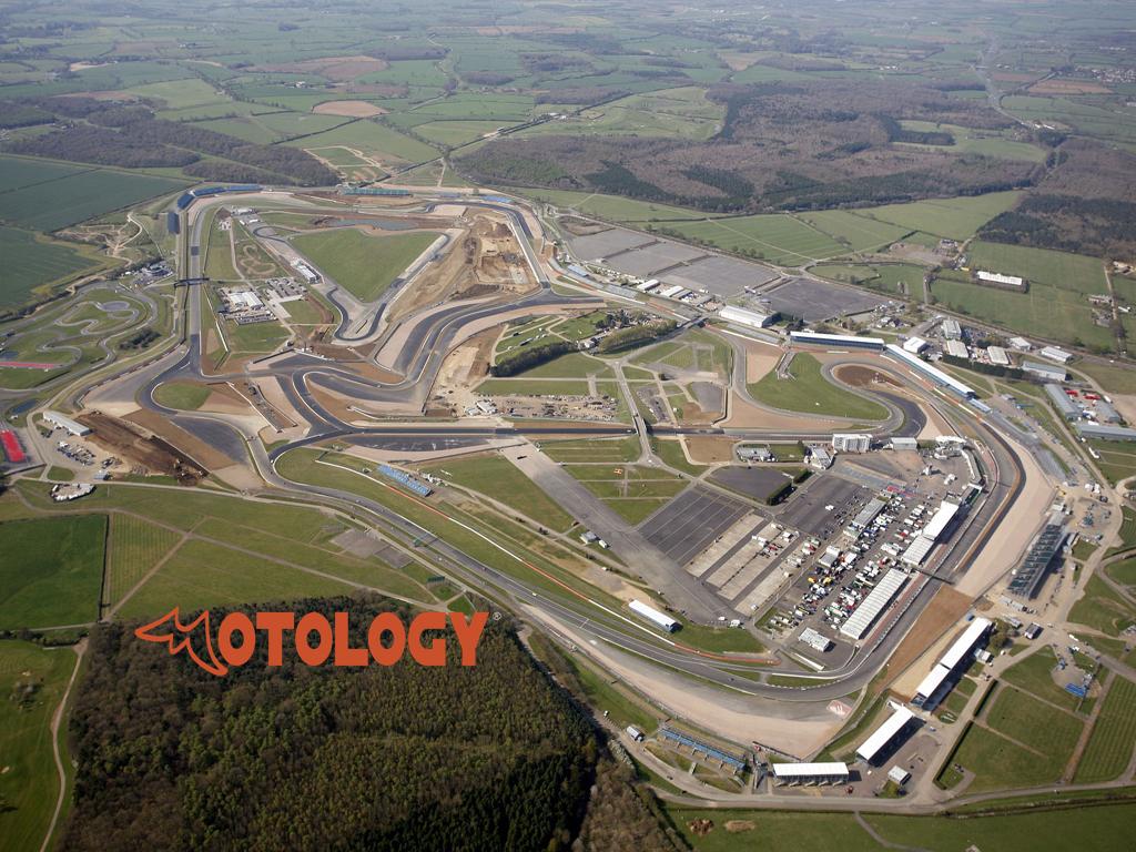 Silverstone_circuit_001