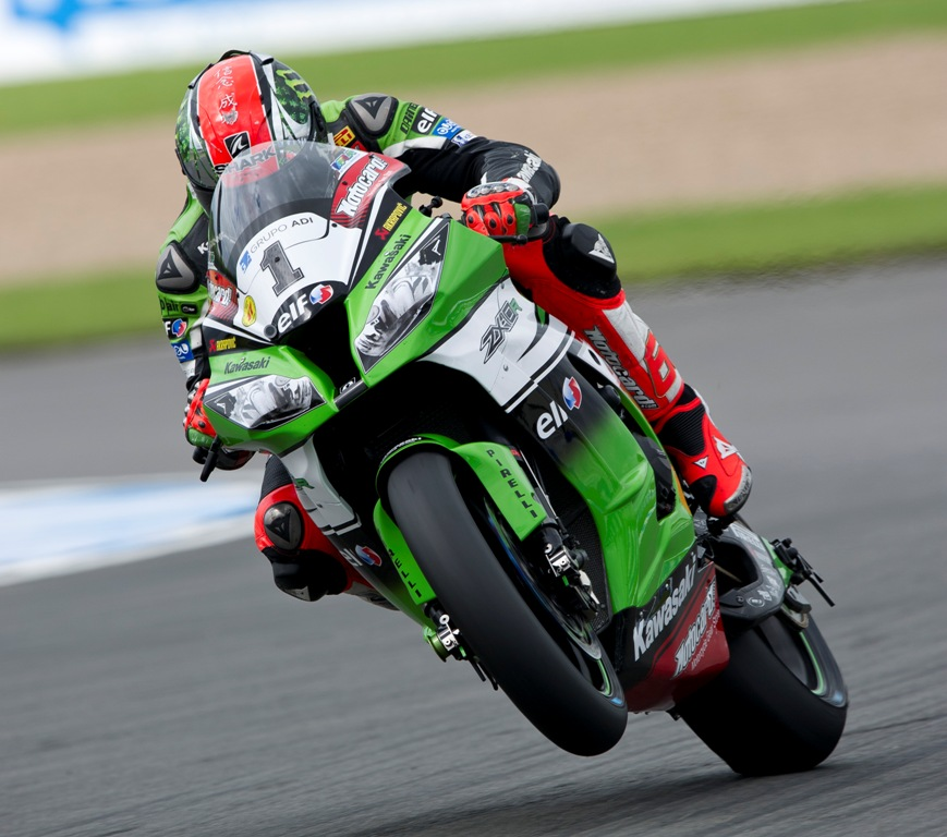 Tom_Sykes_win_Donington_race_1