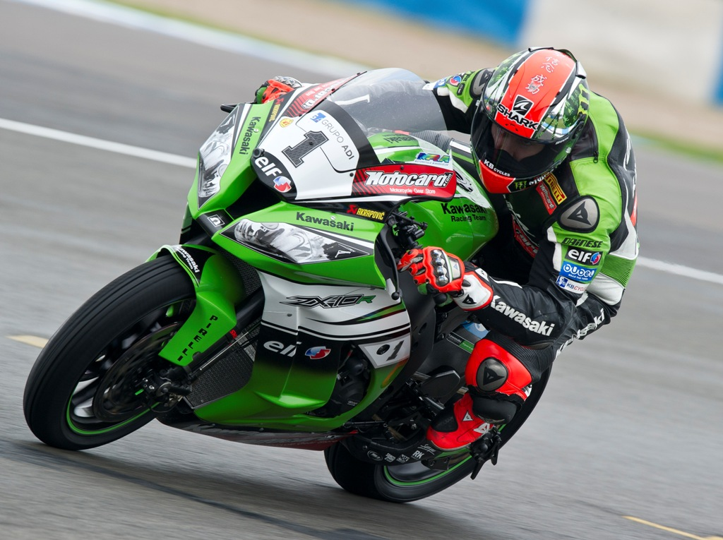 Donington_Sykes_win_race_2