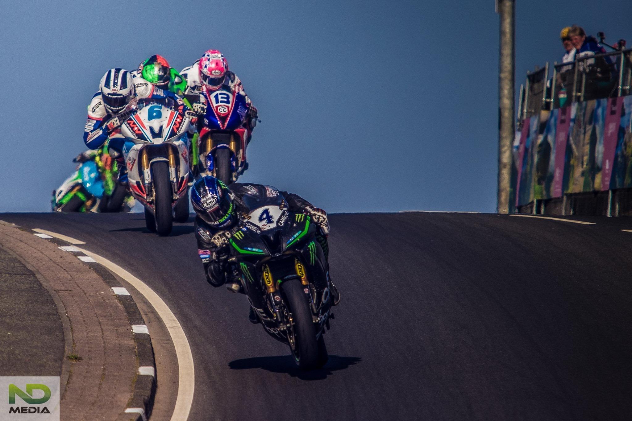 Ian Hutchinson-suprsport Race